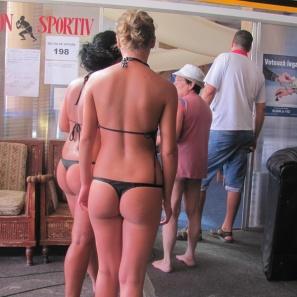 in bikini la referendum